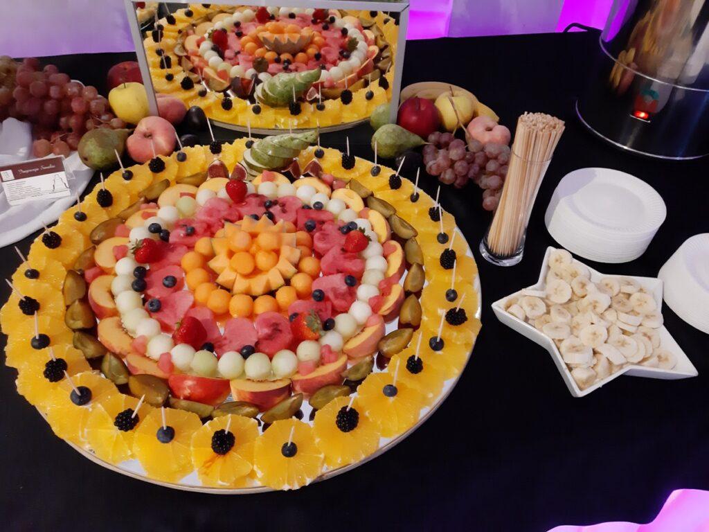 stół owocowy, bufet owocowy, dekoracje owocowe,fruit bar, palma owocowa,fruit carving Biały Dwór,
