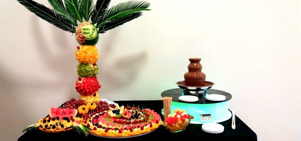 fontanna czekoladowa, palma owocowa, fruit carving, lustro z owocami, dekoracje owocowe,