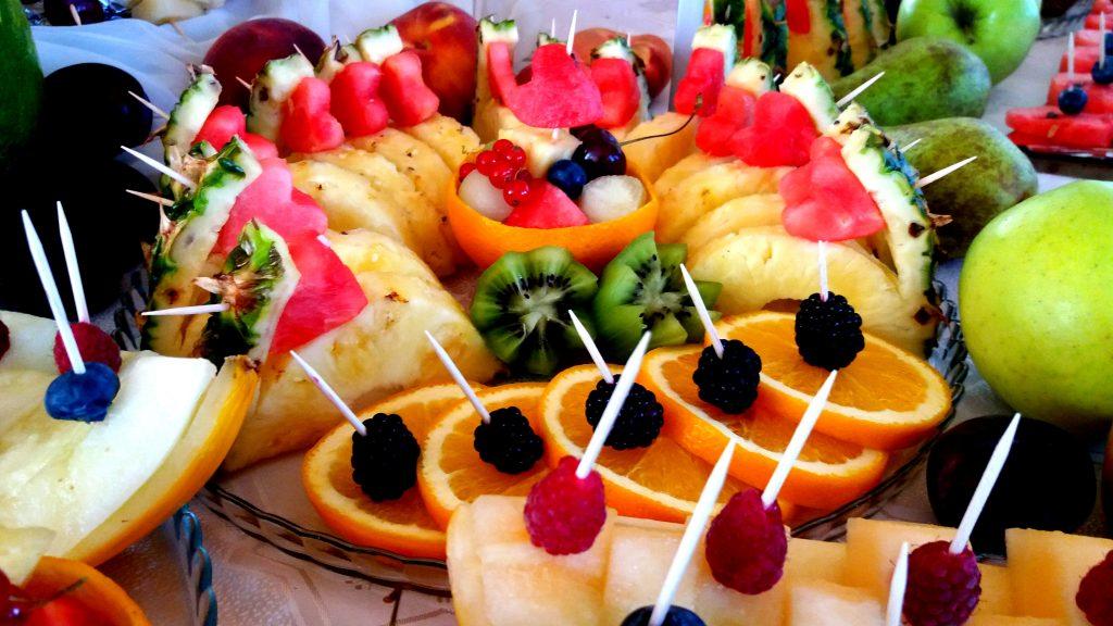 stół owocowy, fruit carving, dekoracje owocowe, fontanna czekoladowa Kleczew, Konin, Turek, Poznań, Łódź