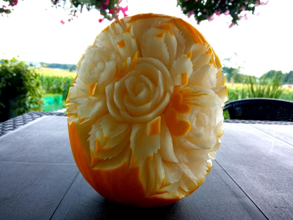 fruit carving, rzeźbiony melon