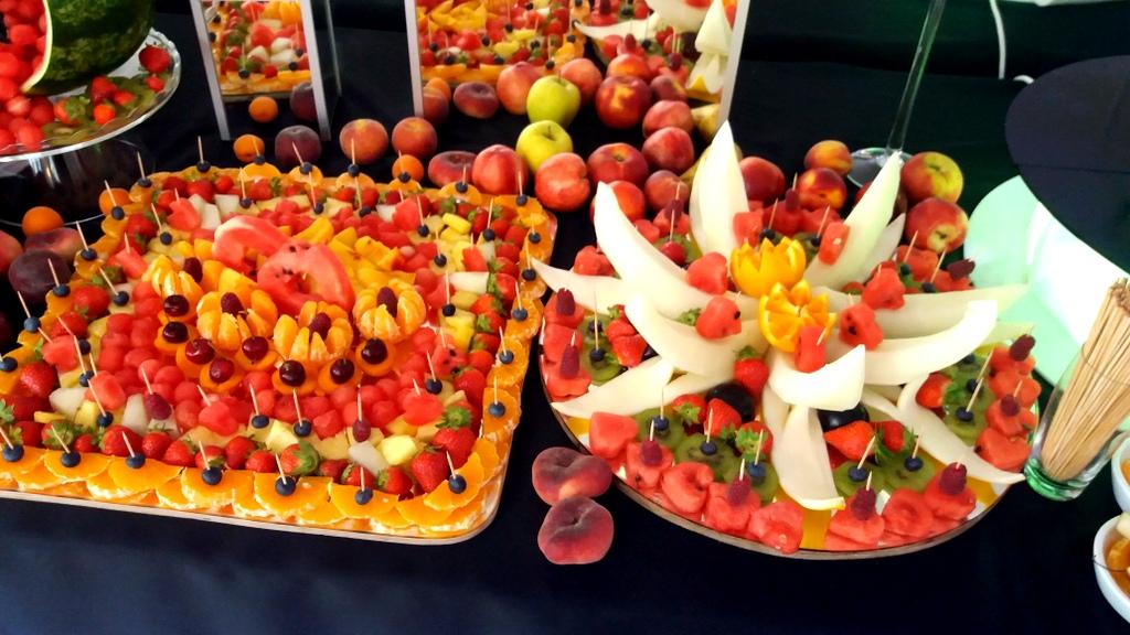 bufet owocowy Biały Dwór Biała Panieńska