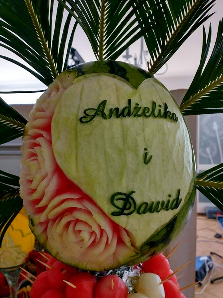 bufet owocowy na wesele, fuit carving Dębowa Russocice, owoce na wesele, stół owocowy na wesele, palma owocowa Russocice
