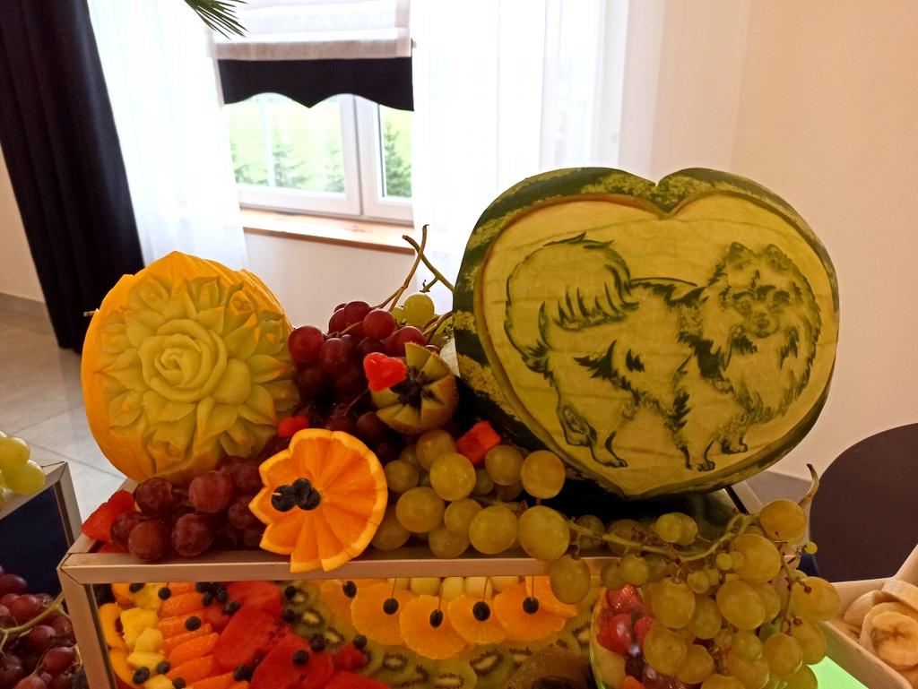 fruit carving Koło, stół owocowy, palma owocowa łódź, Fontanna czekoladowa, bufet owocowy Turek, owocowy bar Poznań,