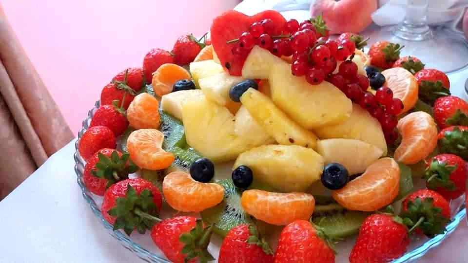 owoce na wesele, owocowy bar, stół owocowy, dekoracje owocowe, owoce na imprezę, fruit carving, palma owocowa, Turek, Konin, Klisz, Łódź