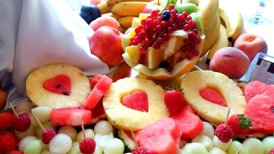 owocowy bar, stół owocowy, dekoracje owocowe, owoce na imprezę, fruit carving, palma owocowa, owoce na wesele, Turek, Konin, Klisz, Łódź