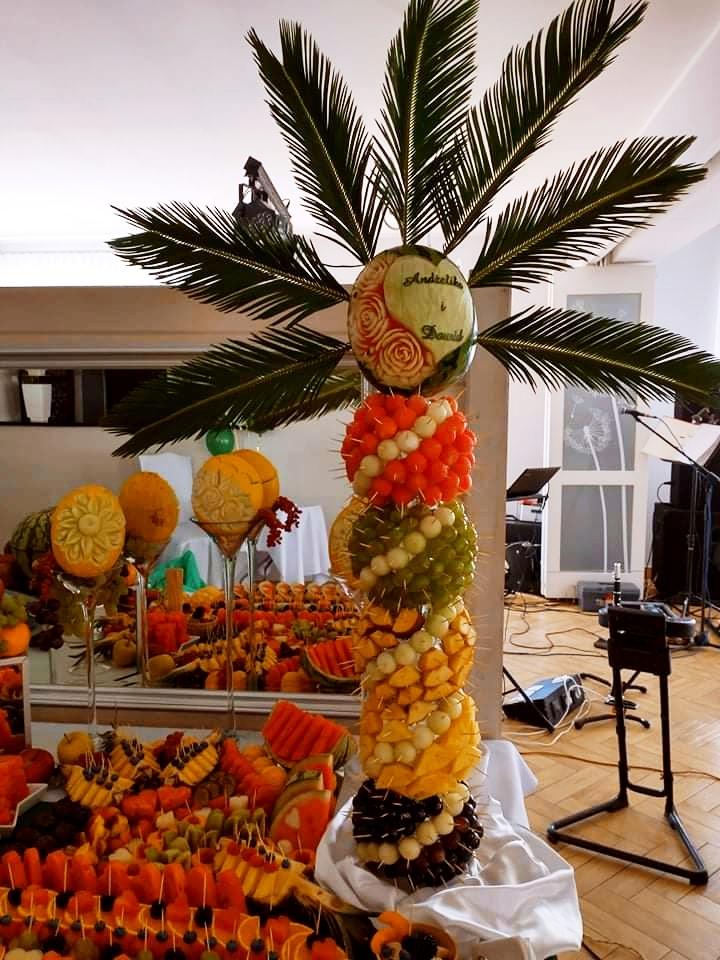 palma owocowa Russocice, bufet owocowy na wesele, fuit carving Dębowa Russocice, owoce na wesele, stół owocowy na wesele,