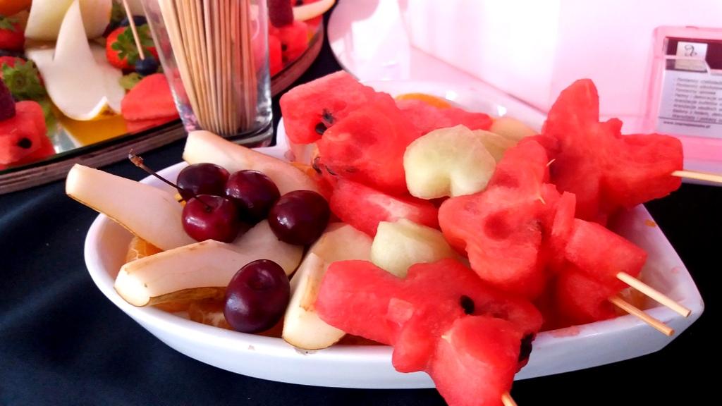 stół owocowy Biały Dwór Biała Panieńska