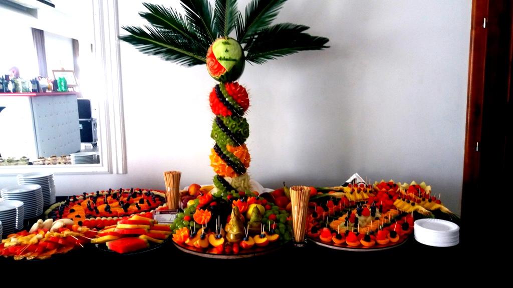 stół owocowy Turek, fruit carving, dekoracje owocowe, fruits bar, palma owocowa Łódź-001