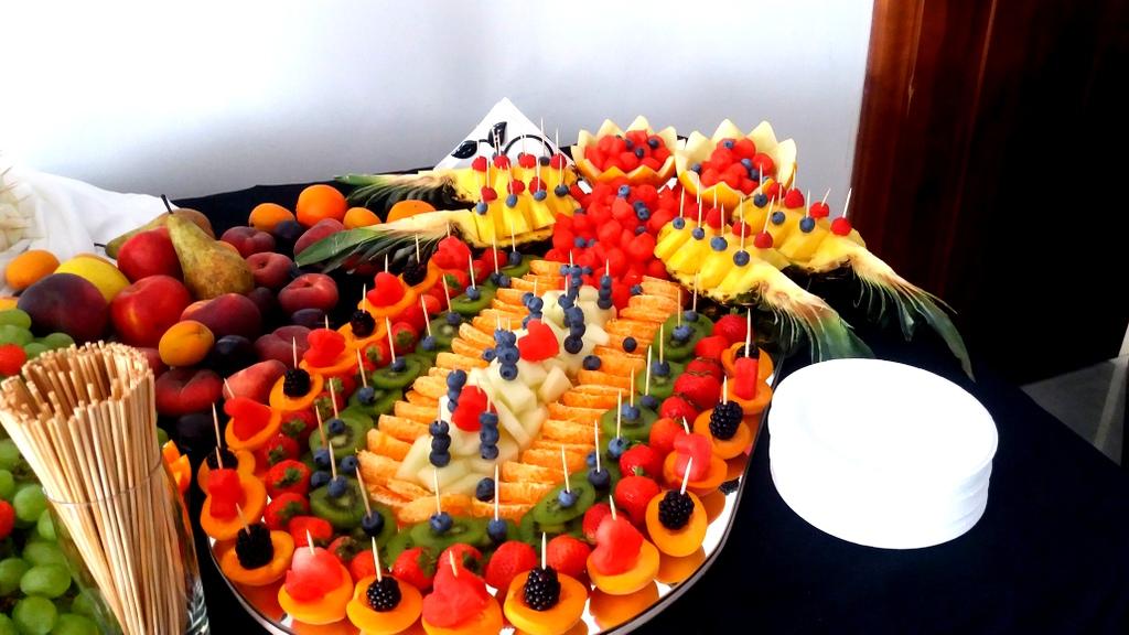 stół owocowy Turek, fruit carving, dekoracje owocowe, fruits bar, palma owocowa Łódź, Kalisz, Poznań-001