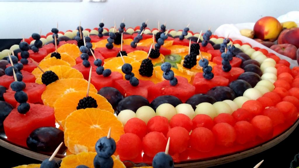 stół owocowy Turek, fruit carving, dekoracje owocowe, fruits bar, palma owocowa Łódź, Koło, Poznań, Konin-001