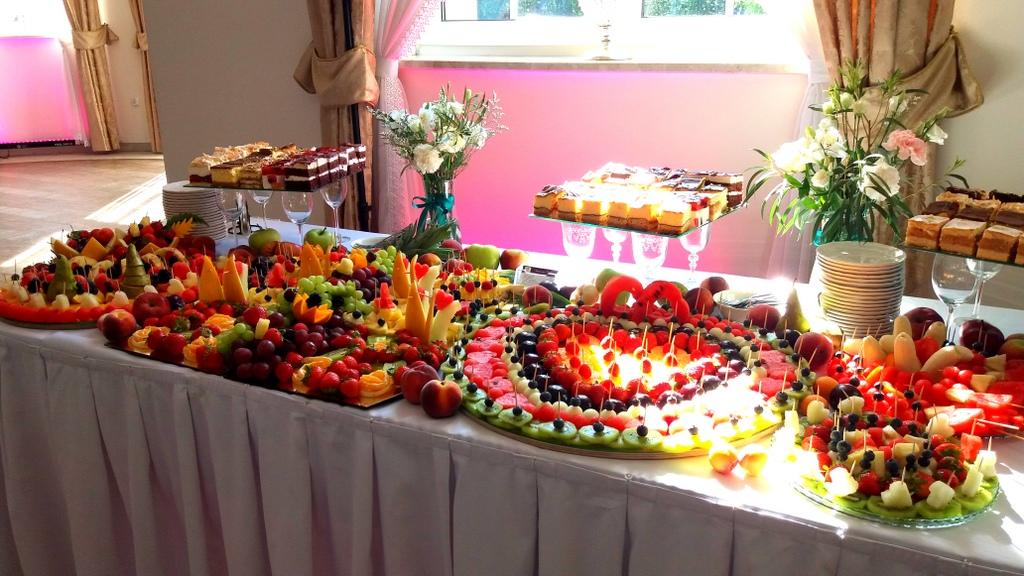 stół owocowy, dekoracje owocowe, fruit carving, bufet owocowy, owocowy bar, fruits bar-001