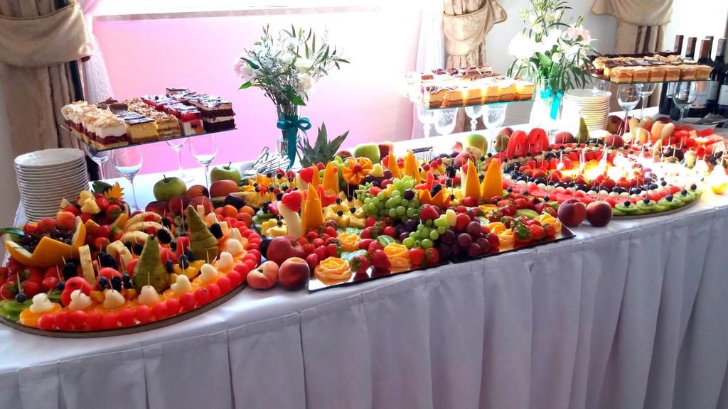 stół owocowy, dekoracje owocowe, fruit carving, bufet owocowy, owocowy bar, fruits bar Turek-001