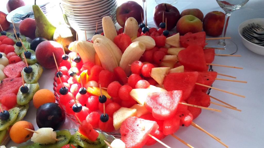stół owocowy, dekoracje owocowe, fruit carving, bufet owocowy, owocowy bar, fruits bar Turek, Łódź, Poznań-001