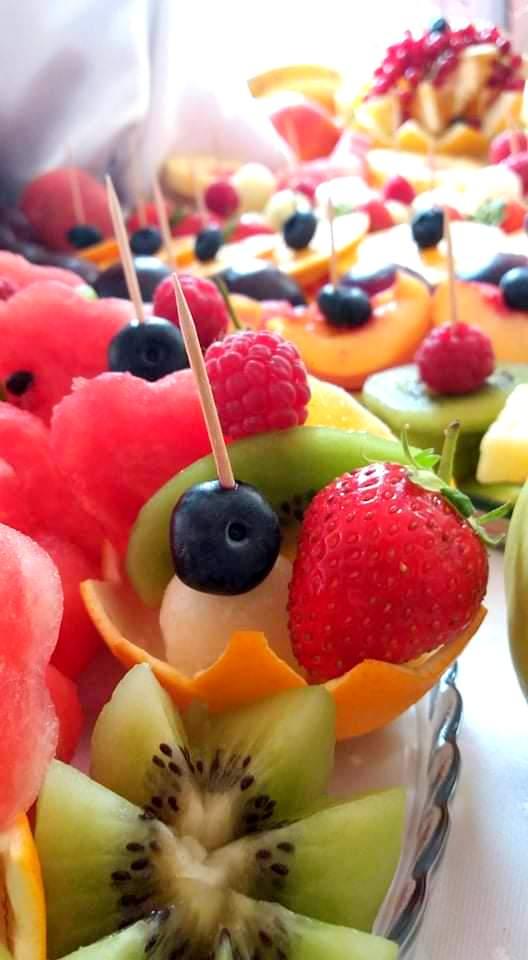 stół owocowy, dekoracje owocowe, owoce na imprezę, owocowy bar, fruit carving, palma owocowa, owoce na wesele, Turek, Konin, Klisz, Łódź