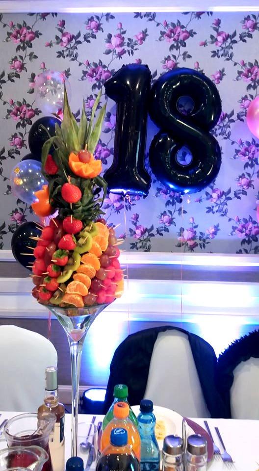 ananas owocowy na 18stkę konin, dekoracje owocowe Konin