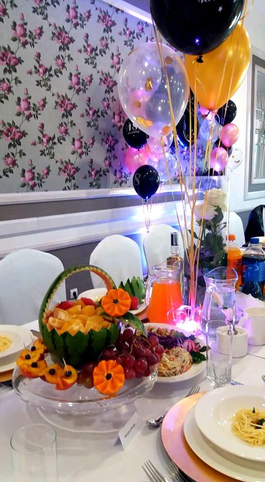 arbuzowy kosz owocowy konin, ananas owocowy, kosz z arbuza na osiemnastkę, dekoracje owocowe Konin